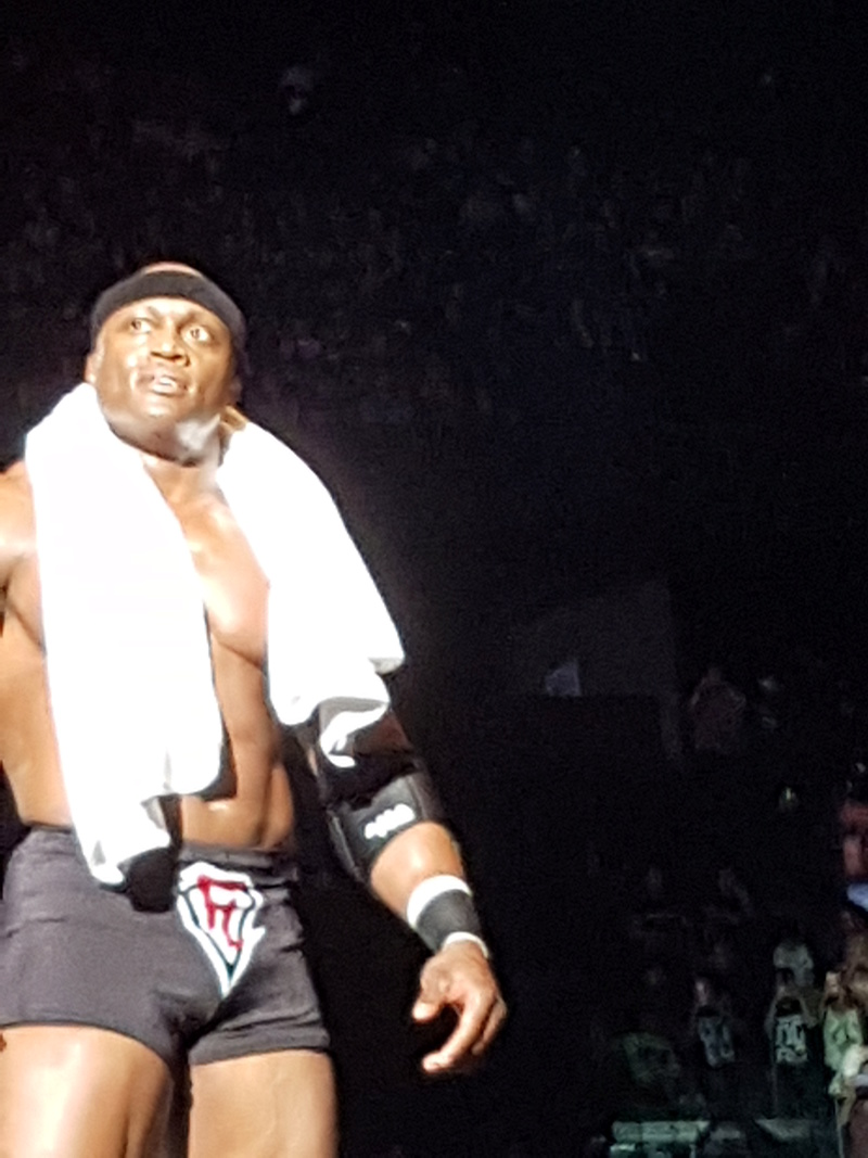 PHOTOS WWE LIVE EVENT PARIS 2018 Lasley10