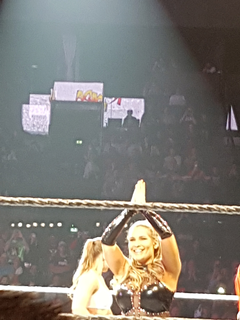 PHOTOS WWE LIVE EVENT PARIS 2018 Nathal10