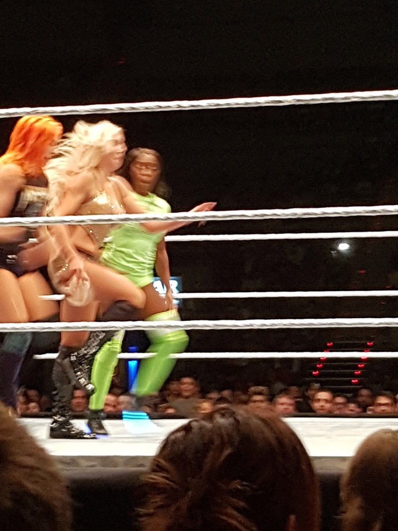 LIVE EVENT SMACKDOWN DE BARCELONE Wouuuu10