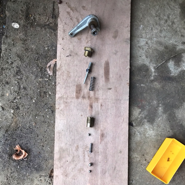 Clapet (bypass) cric hydraulique Hydromat Img_8012