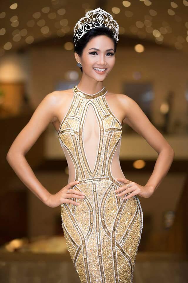 H'Hen Niê (VIETNAM 2018) Fb_i3413