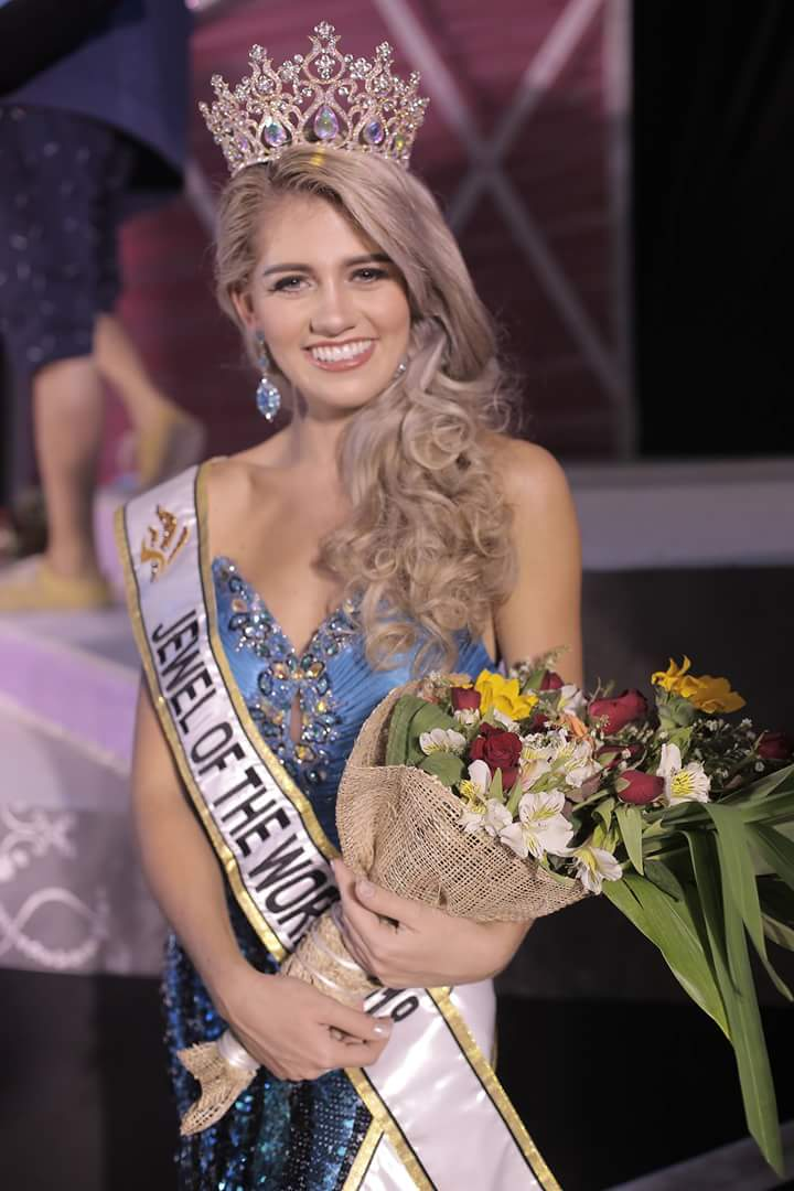 Miss Jewel of the World is South Africa Fb_i4699