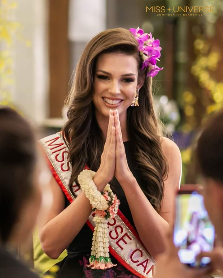 © PAGEANT MANIA © MISS UNIVERSE 2018 - OFFICIAL COVERAGE Finals - Page 20 Fb_i5402