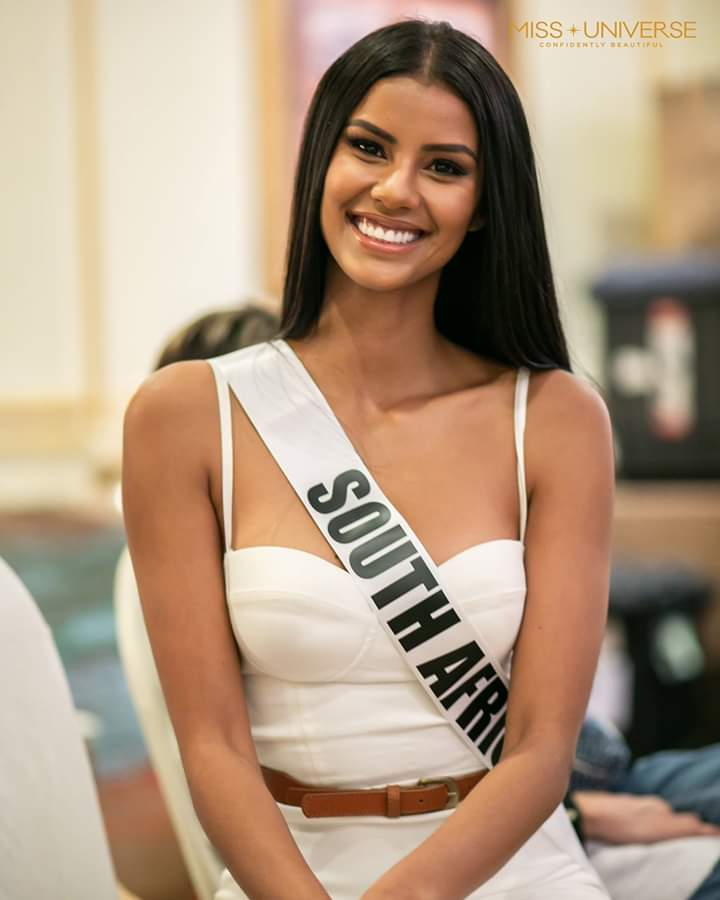 © PAGEANT MANIA © MISS UNIVERSE 2018 - OFFICIAL COVERAGE Finals - Page 20 Fb_i5407