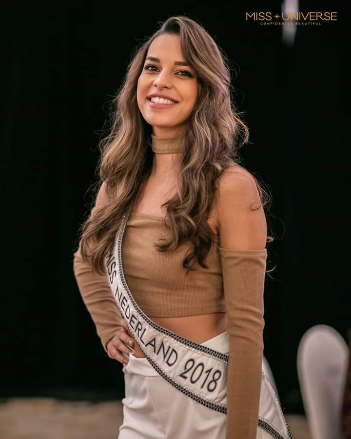 © PAGEANT MANIA © MISS UNIVERSE 2018 - OFFICIAL COVERAGE Finals - Page 20 Fb_i5410