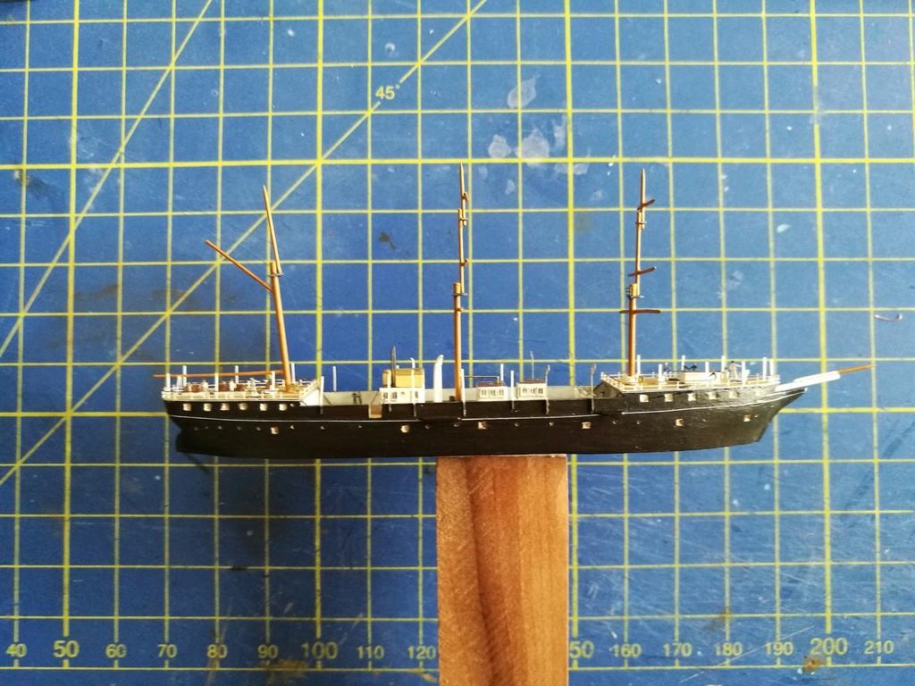 barges et petits bateaux de Brest 1/600 scratch Img_2050