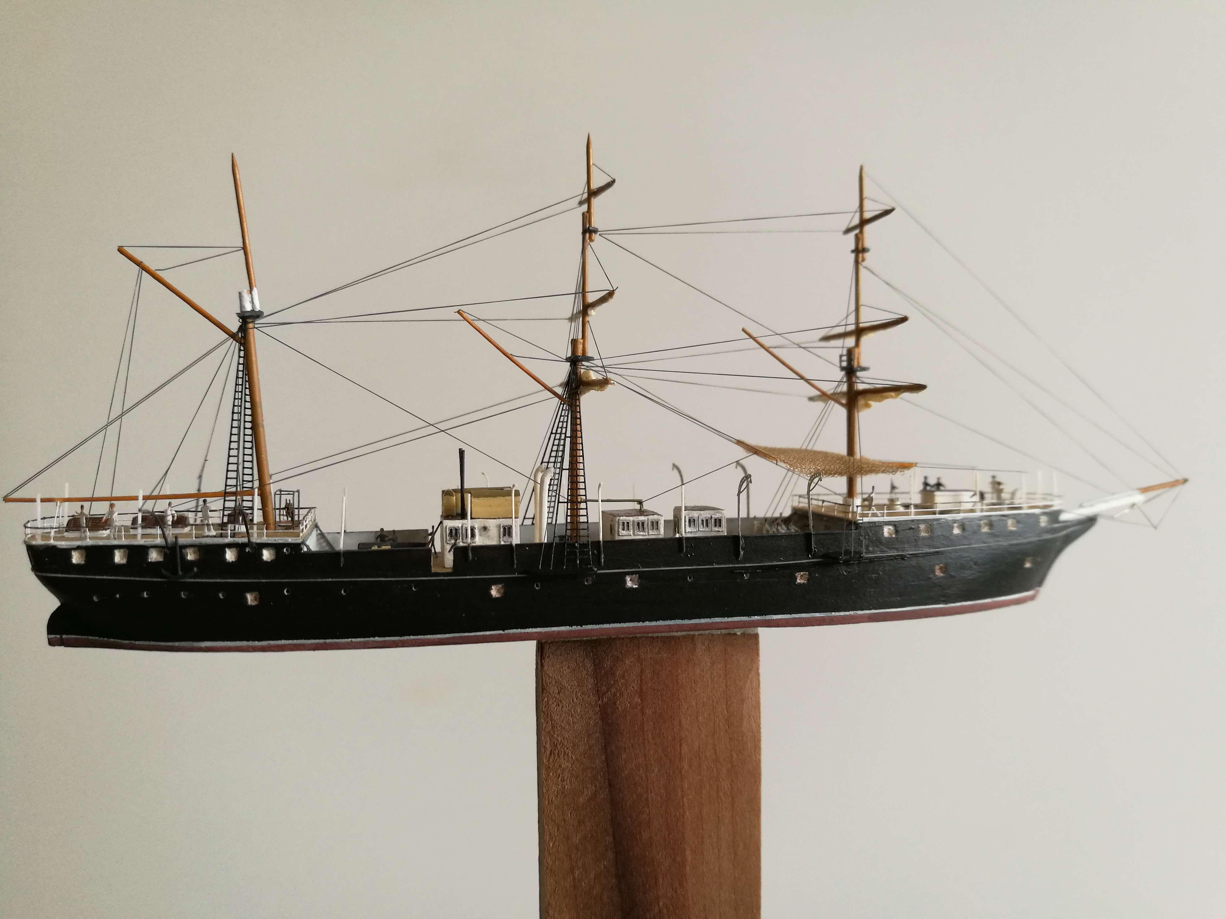 Diorama Brest 1903-1905 scratch PE 1/600 par chris Img_2054