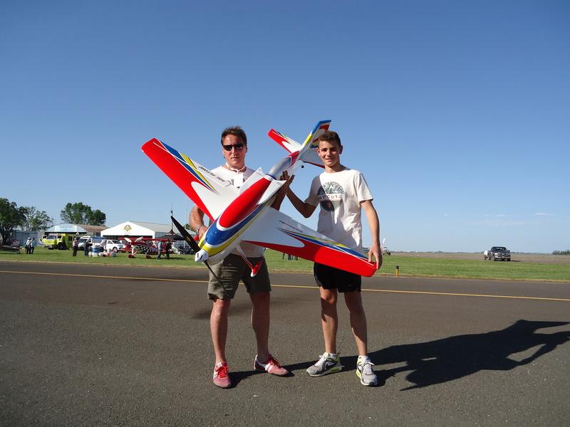 Aeronautical activity in my club! Dsc03012
