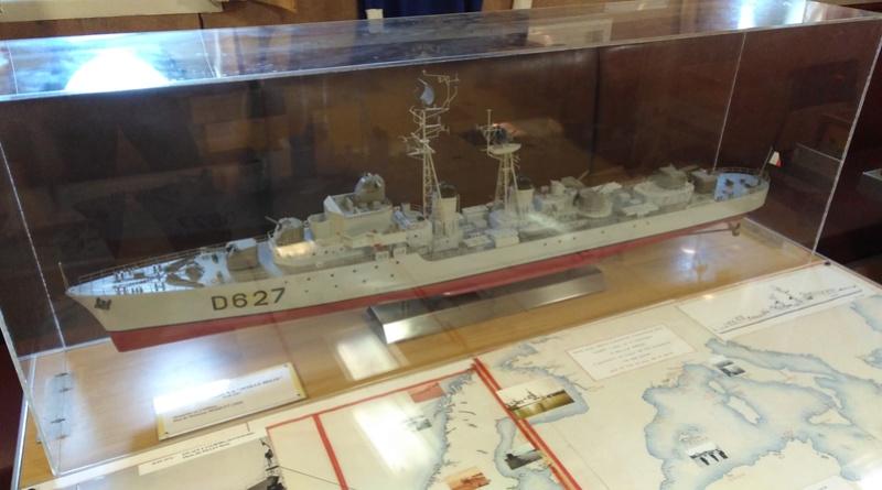 Escorteur D'Escadre MAILLE BREZE Img_2036