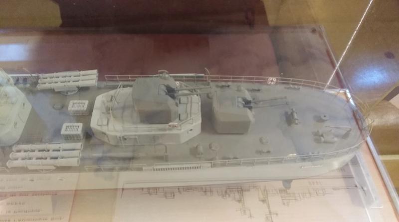 Escorteur D'Escadre MAILLE BREZE Img_2046