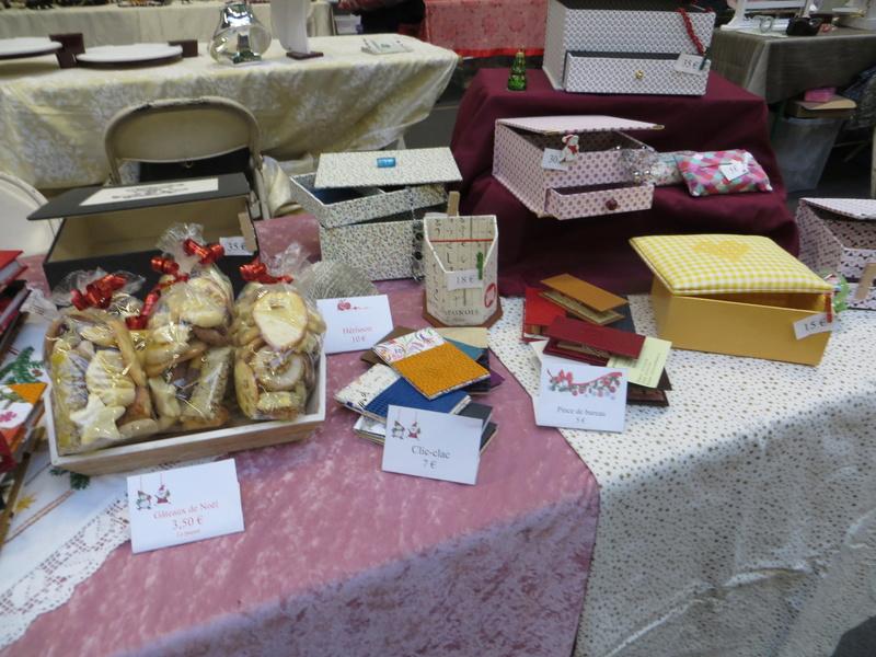 Mon stand au marché de noël d'hier Img_2311