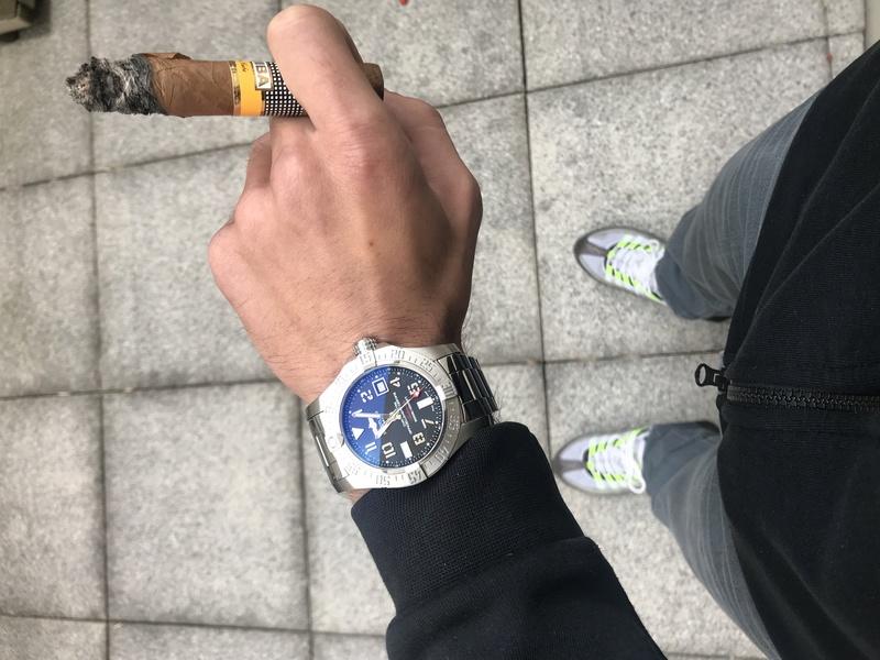 La montre du vendredi 20 octobre 2017 B9390210