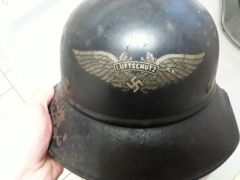 2 casques luftschutz 145da610