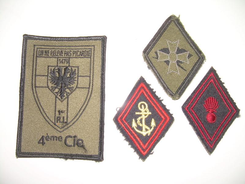Insignes de fond de carton Dscn6139