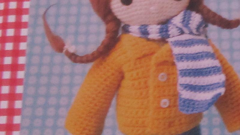 Une poupée au crochet Img_2310
