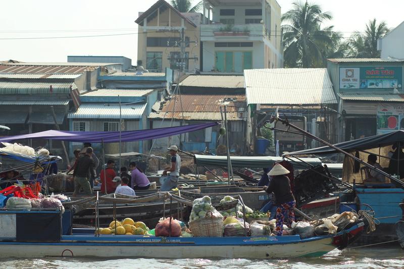 Marché flottant au Vietnam Vietne15