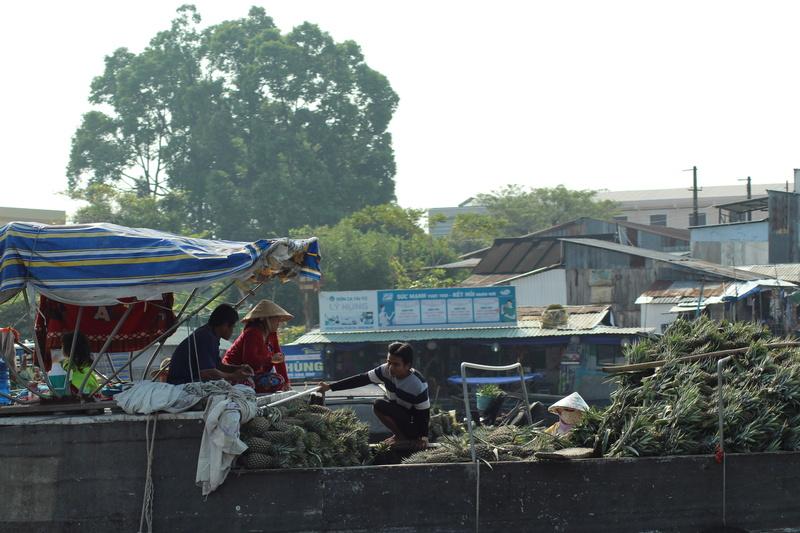 Marché flottant au Vietnam Vietne16