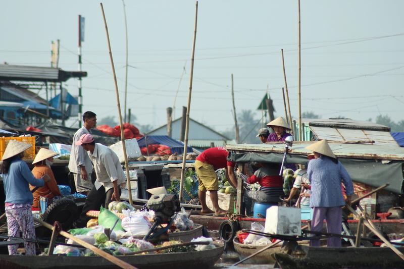 Marché flottant au Vietnam Vietne17