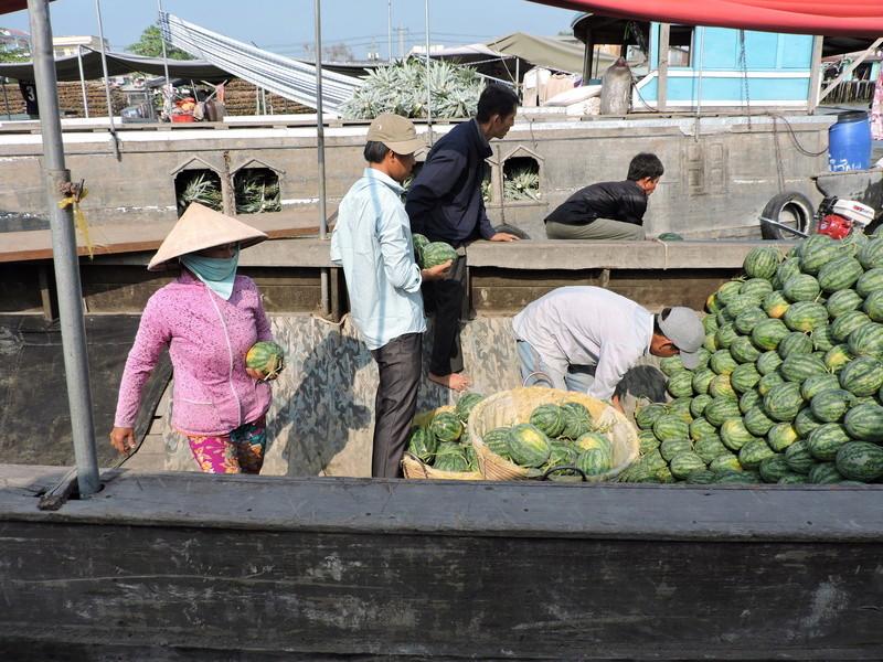 Marché flottant au Vietnam Vietne19