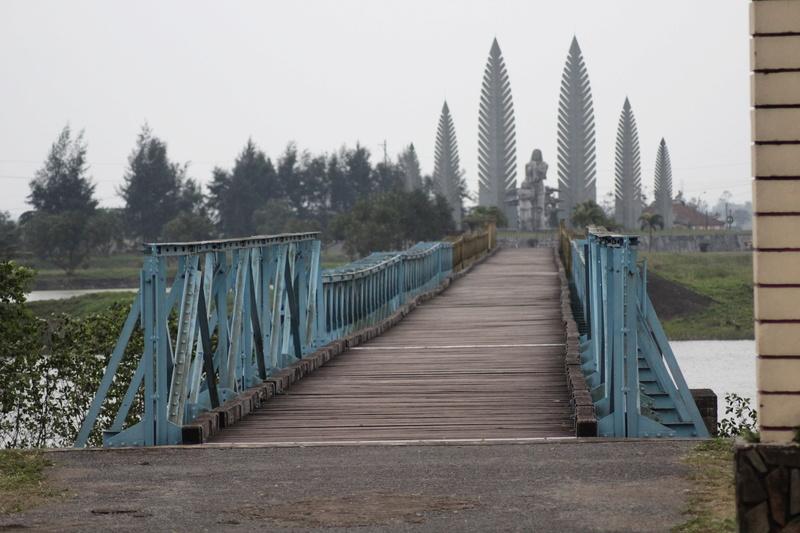 [ouvert] Les ponts anciens ou nouveaux - Page 19 Vietne20
