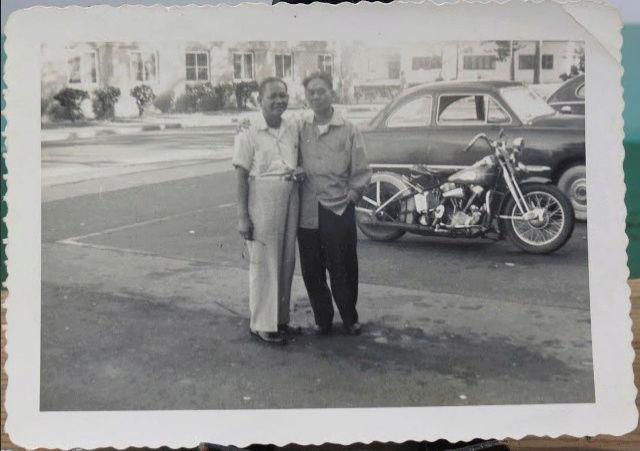 NOSTALGIA vieilles photos H-D d'époque - Page 40 Capt2539