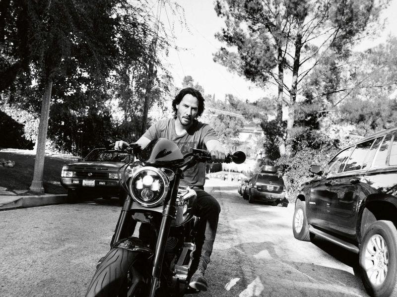 Ils ont posé avec une Harley, uniquement les People Captu769