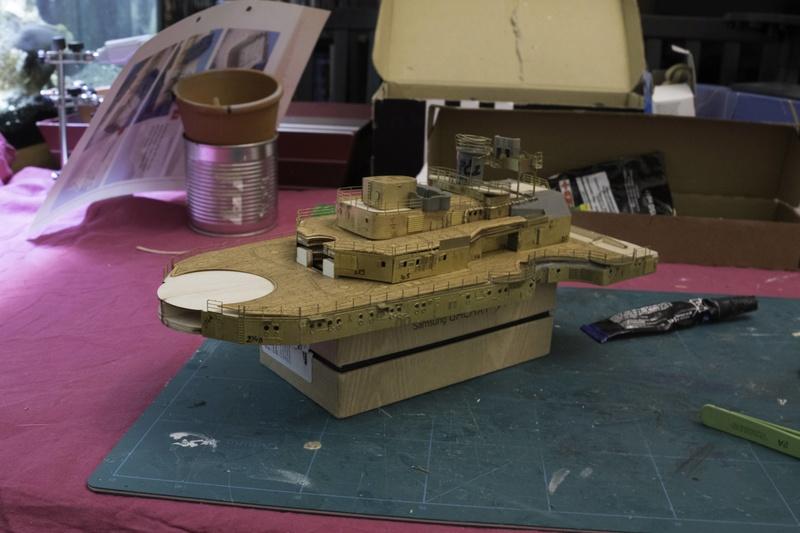 Construire le Bismarck 1/200 Hachette - Page 2 2017-127