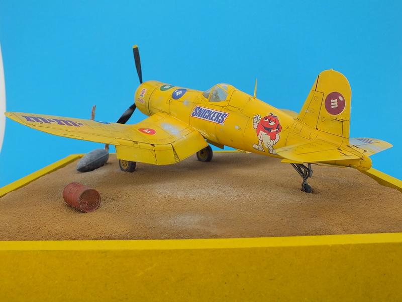 Corsair F4AU-1A 1/48 Tamiya réf.61070 décoration spécifique à mon pseudo............ - Page 3 Dscf1911