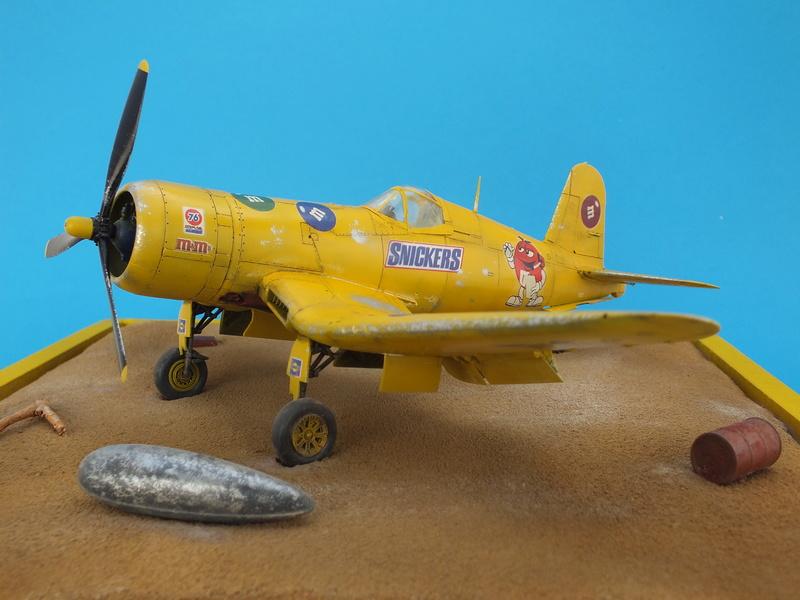 Corsair F4AU-1A 1/48 Tamiya réf.61070 décoration spécifique à mon pseudo............ - Page 3 Dscf1917