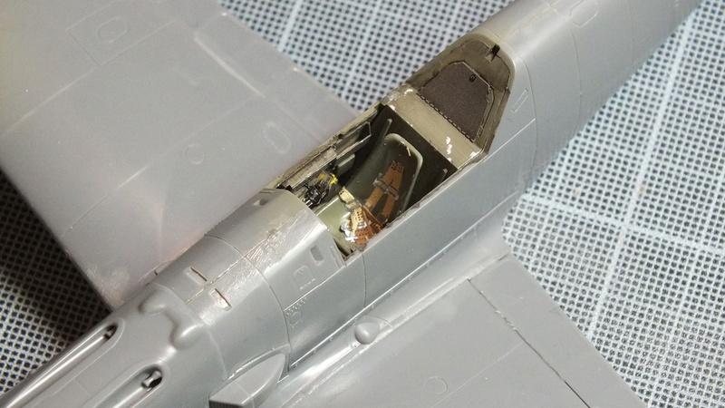 BF109E-3 Tamiya 1/48 ref:61050 avec verrière MSK et photo découpe Eduard Zoom. Dscf2078