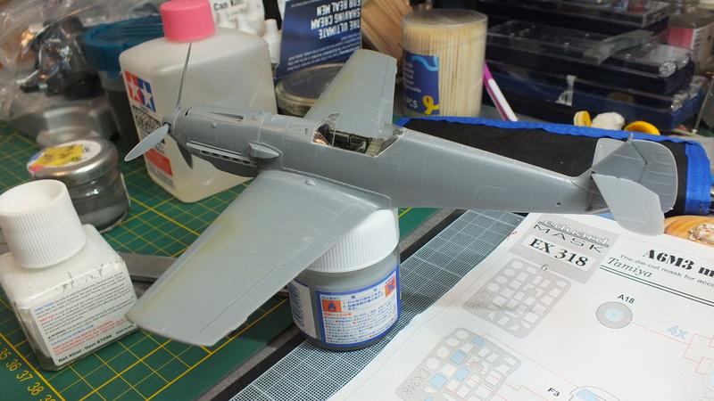 BF109E-3 Tamiya 1/48 ref:61050 avec verrière MSK et photo découpe Eduard Zoom. Dscf2115
