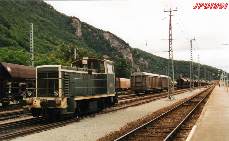 Pk 082,2 : Gare de Foix (09) - Page 12 Foix_211