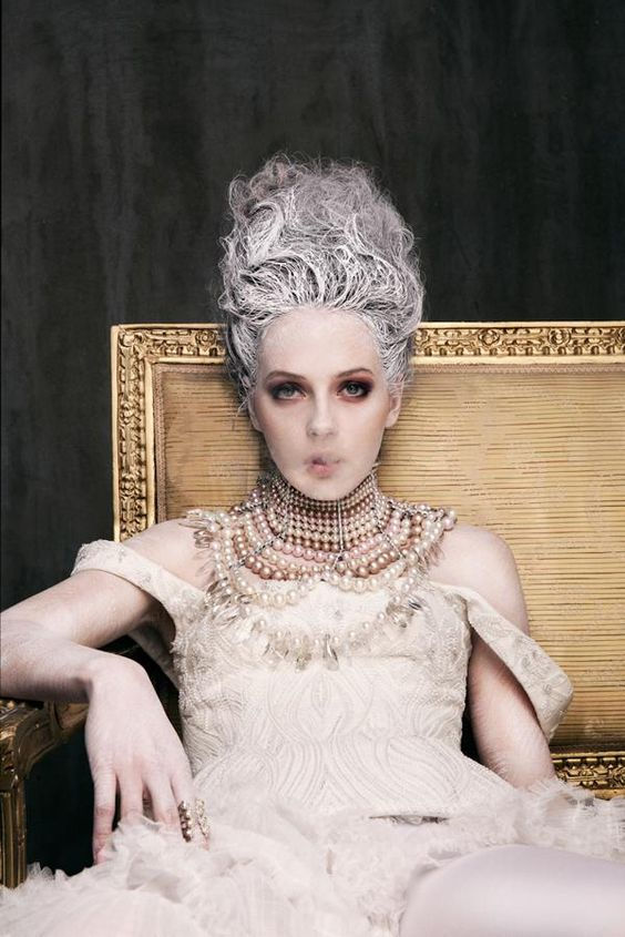 Marie-Antoinette trash 25f4a810