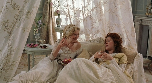 Marie Antoinette avec Kirsten Dunst (Sofia Coppola) - Page 5 Large10