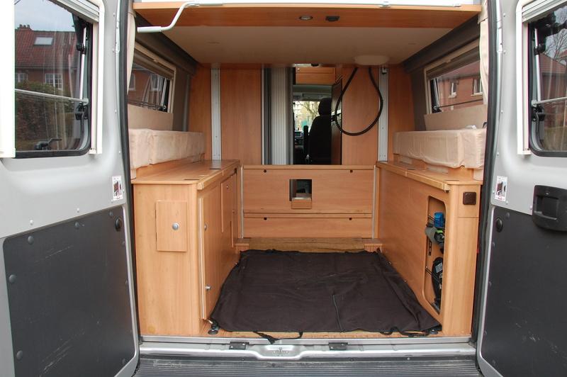 Soute de nos fourgons, rangement, transport, vos témoignages et vos photos - Page 5 Dsc_0710