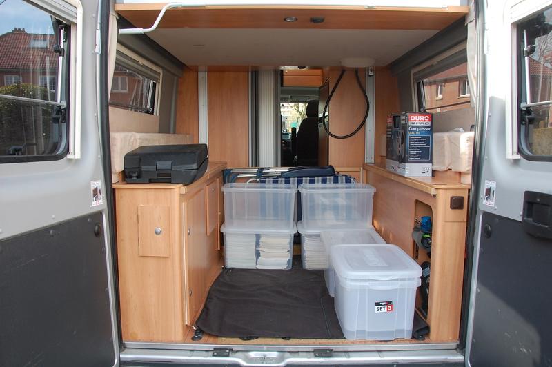Soute de nos fourgons, rangement, transport, vos témoignages et vos photos - Page 5 Dsc_0712