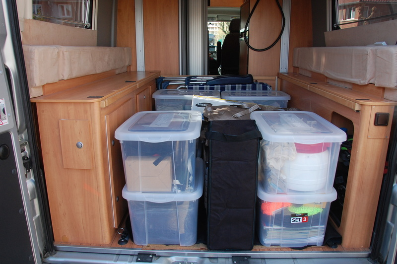 Soute de nos fourgons, rangement, transport, vos témoignages et vos photos - Page 5 Dsc_0713
