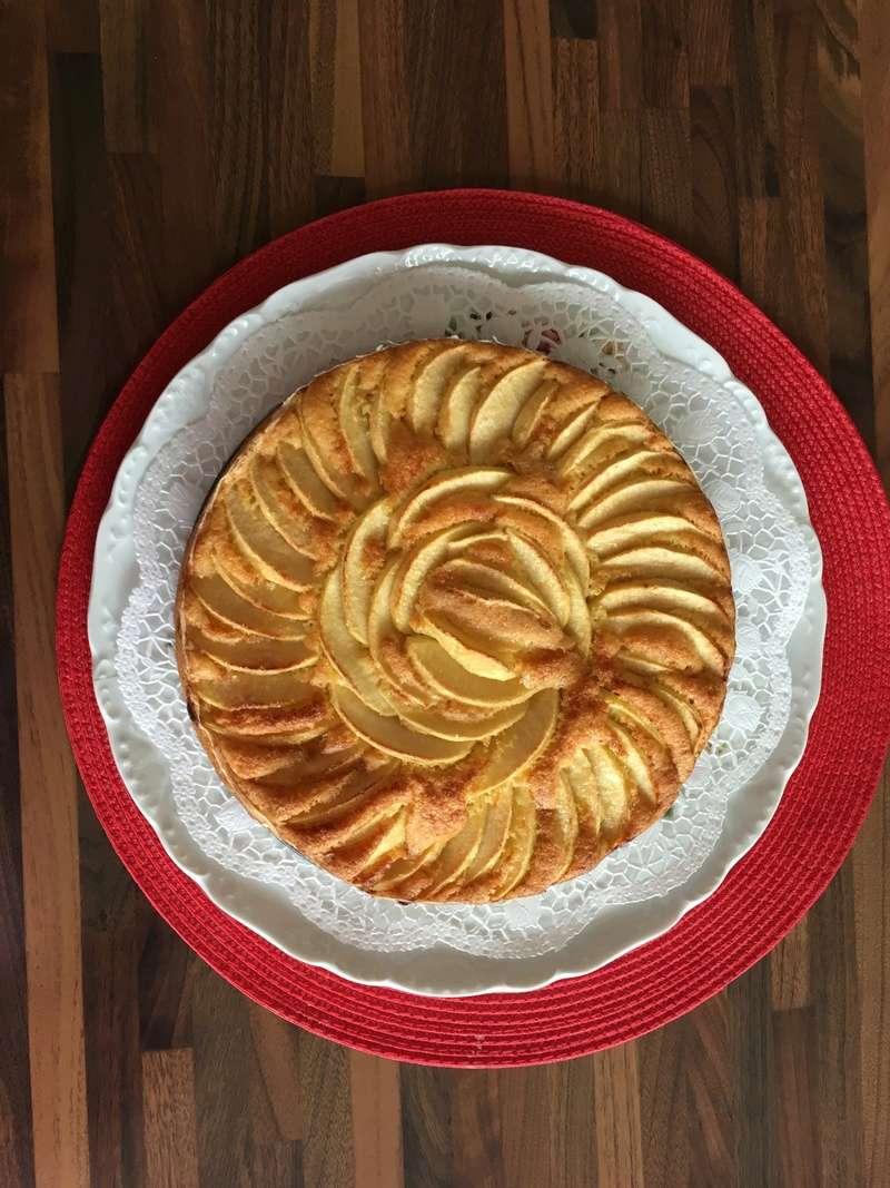 Une tarte aux pomme hyper facile et délicieuse ! 35853310