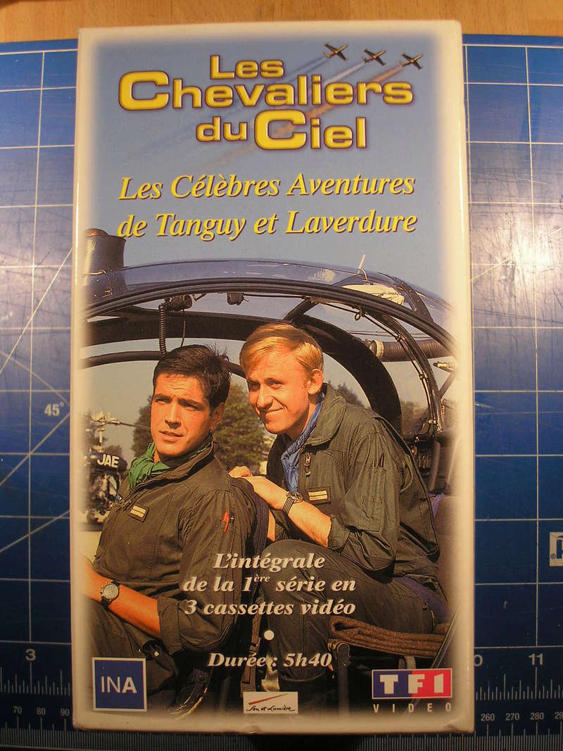 CHEVALIERS DU CIEL - VHS Cheval10