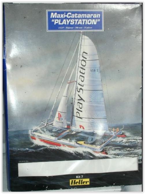 Maxi Catamaran PLAYSTATION 1/125ème Réf KIT 60617 Screen47