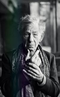 Ian McKellen 200*320 1-110