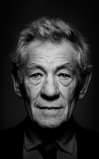 Ian McKellen 200*320 2-110
