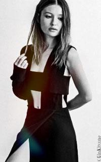 Emily Browning // 200*320 ♥ Tara-b16