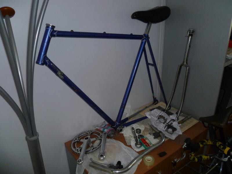 Montage pour la ville, on va essayer de faire un beau vélo pour une fois! P1070717