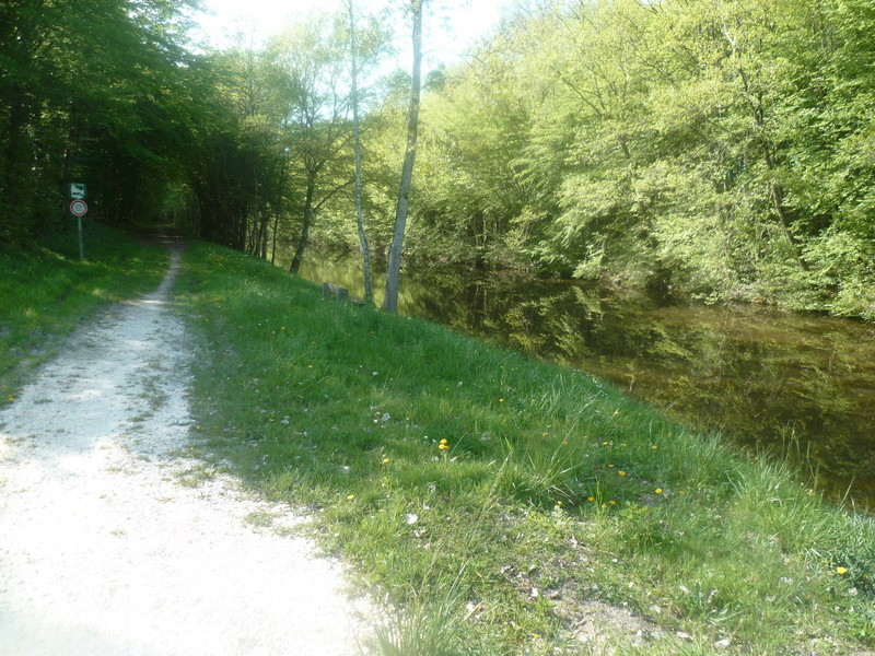 Eurovélo 3, canal du Loing, canal de Briare P1080017