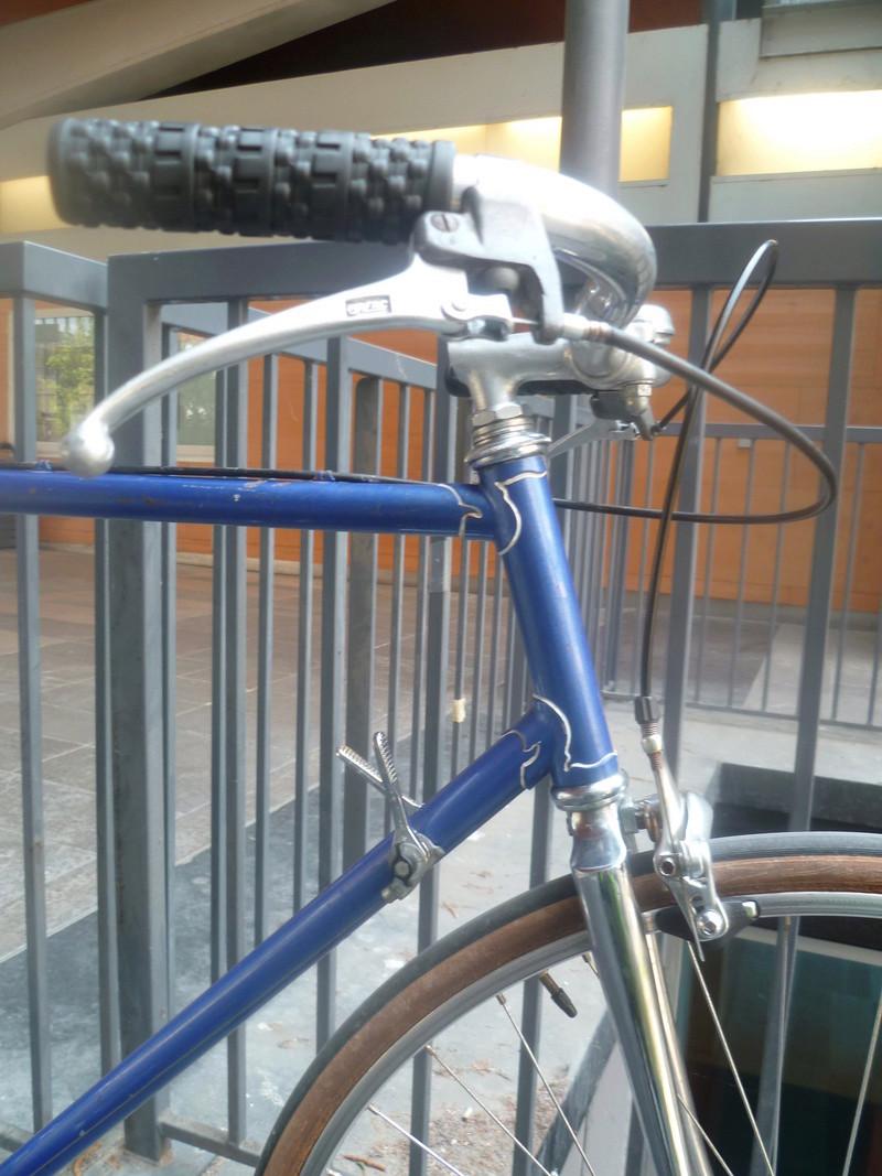 Montage pour la ville, on va essayer de faire un beau vélo pour une fois! P1080033