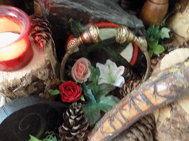 Le Torque dans Le Druidisme, Objet Sacerdotal et Offrande Torque11