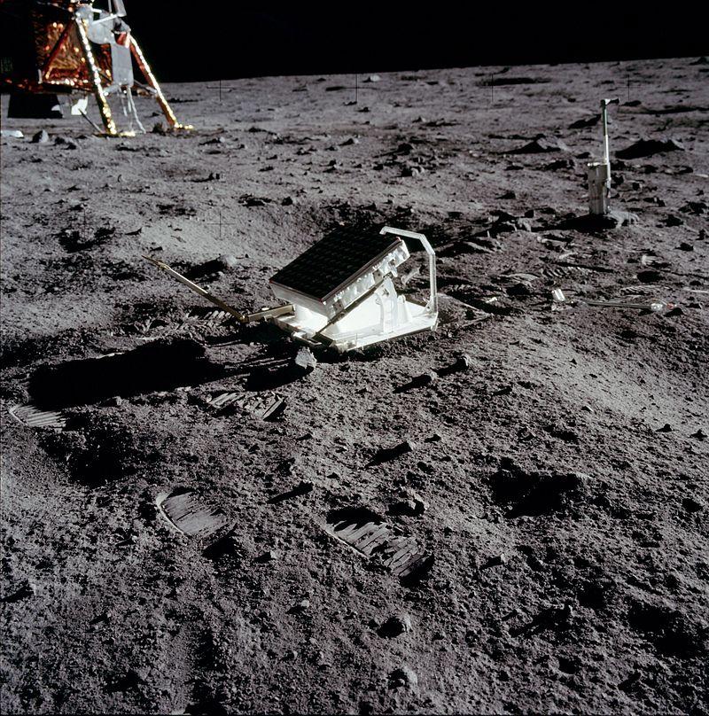 Il en est question...d'astronomie! - Page 3 Apollo11