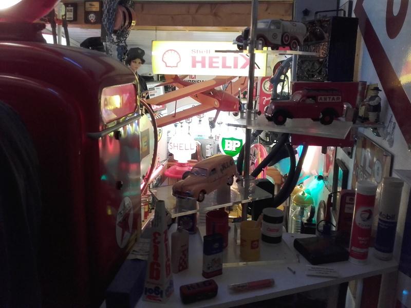 un petit Musée privé sur le thème des vieilles pompes à essence 20180316
