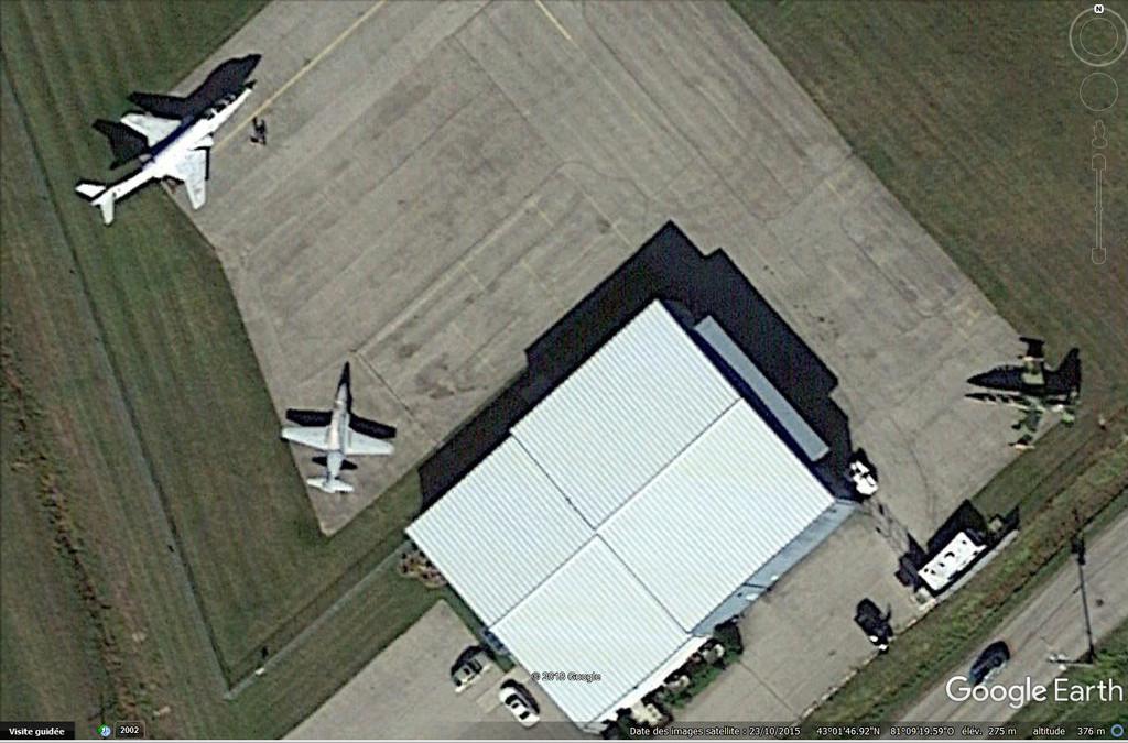 """Un T-33 Canadien arrive en France C-FUPK CT-133-AUP """"Silver star"""" Cfupk10"""